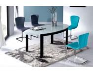 Стулья и столы для обеденных зон
